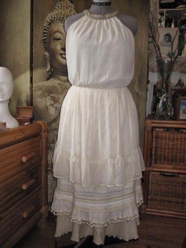 Silhouette slave avec un pull tranformé en veste courte