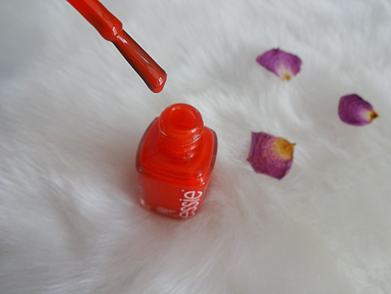 Du rouge jusqu'au bout des ongles avec Essie