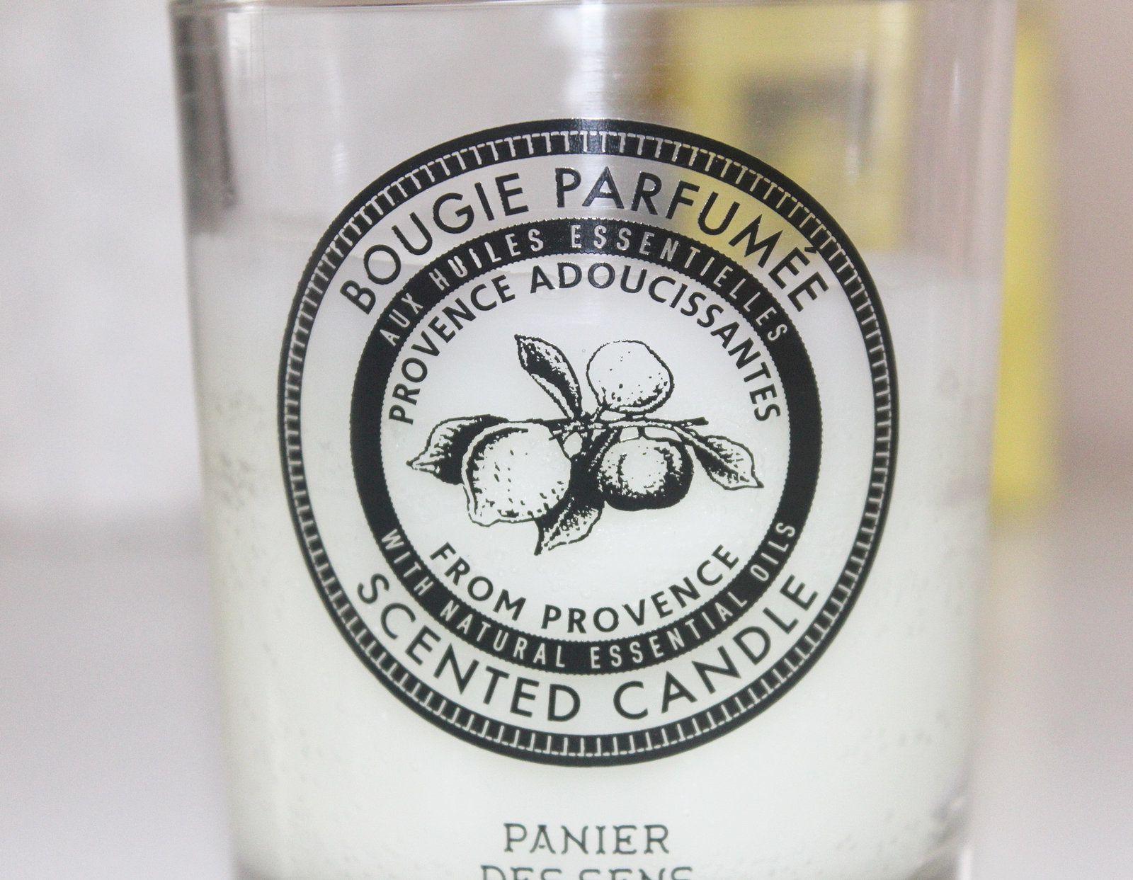 Les essentiels : les bougies parfumées Panier des Sens pour prolonger l'été.
