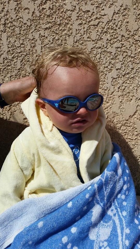 e74430dc49c558 Mes yeux de Bébé bien protégés grâce aux lunettes de soleil Luc et ...
