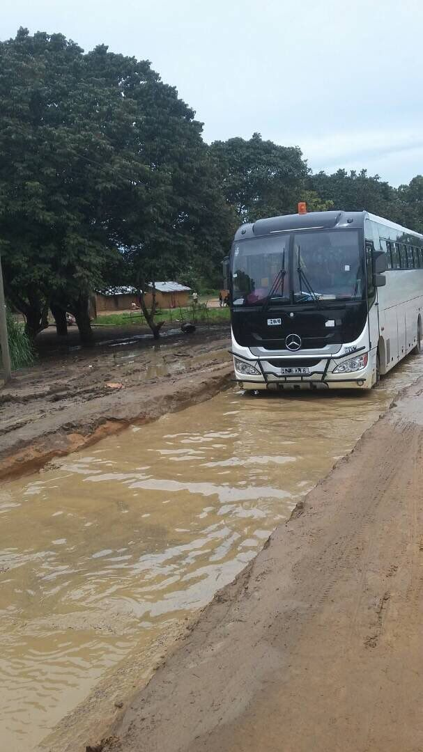 La route nationale 2 juste  après le district de ngo en allant vers gamboma le pays se modernise...