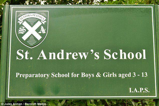 Le panneau de l'école de la future reine d'Angleterre.