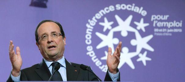 François Hollande continue de piocher dans les budgets sociaux pour plaire au FMI et à Bruxelles