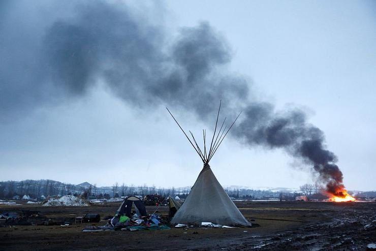 4 banques françaises soutiennent Donald Trump qui expulse les Sioux du Dakota