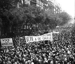 13 mai 1958: un coup d'Etat ce jour-là en France.