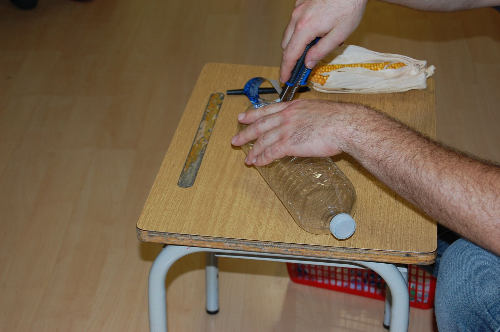 fabrication des mangeoires oiseaux le blog de l 39 cole allende sainghin en weppes. Black Bedroom Furniture Sets. Home Design Ideas