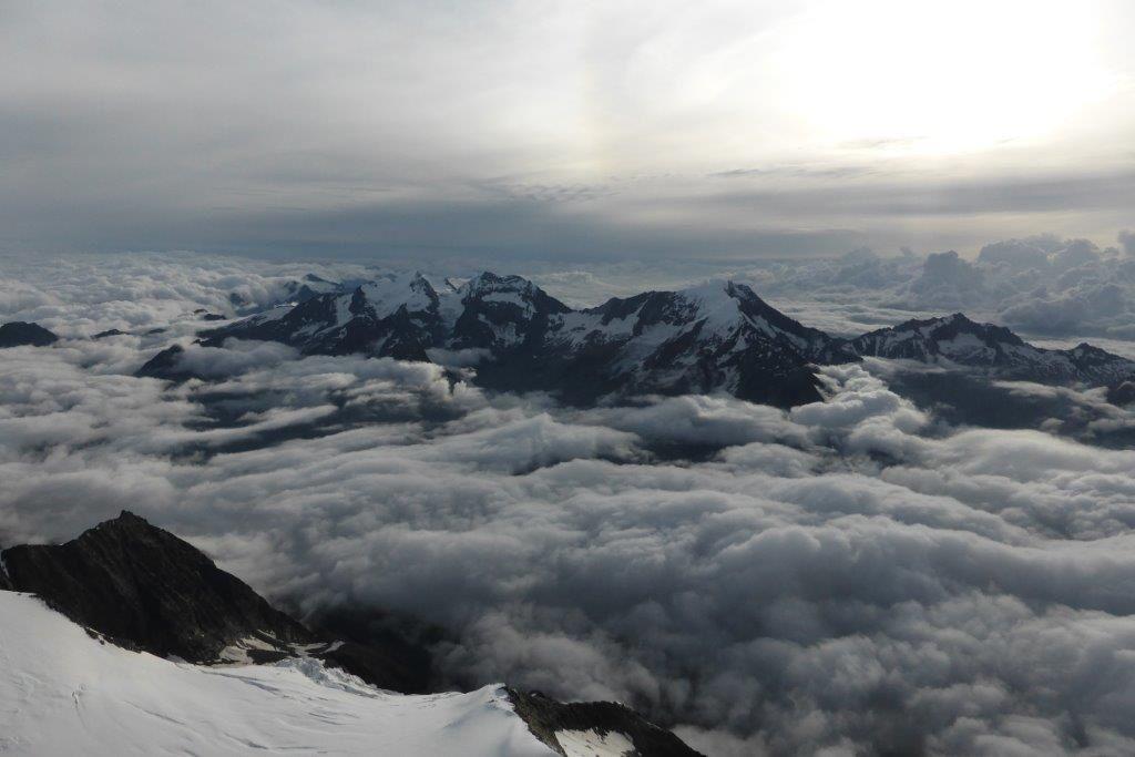 A Venir : Biancograt au Piz bernina et Face Nord Nord Est de la Lenzspitze