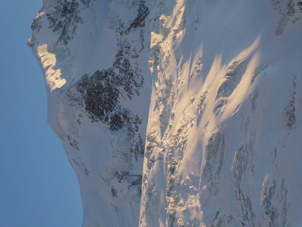 Brunegghorn Face NNE - 3833 m - Traversée Turtmannhütte - cabane de l'Arpitetta