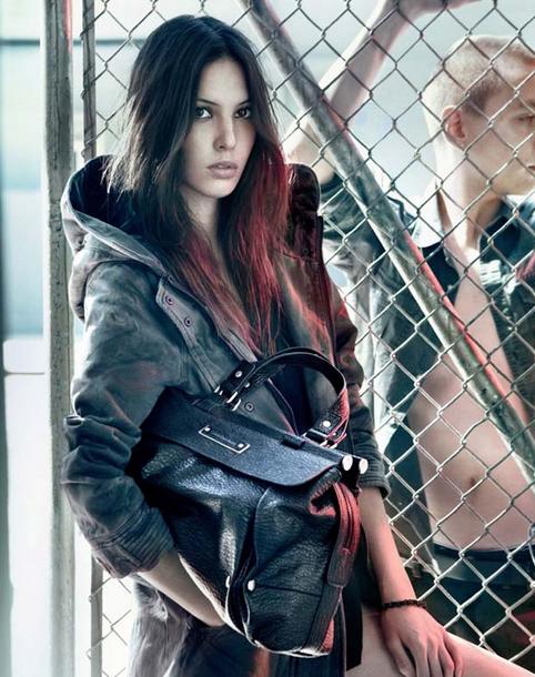 Connaissez-vous la ligne de sacs Calvin Klein?