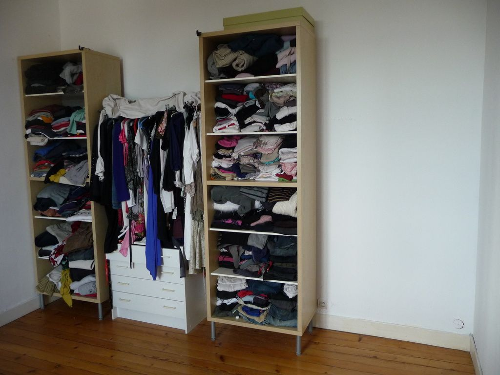 Poser des portes coulissantes pour un dressing mad me fit faire - Comment cacher un dressing ...