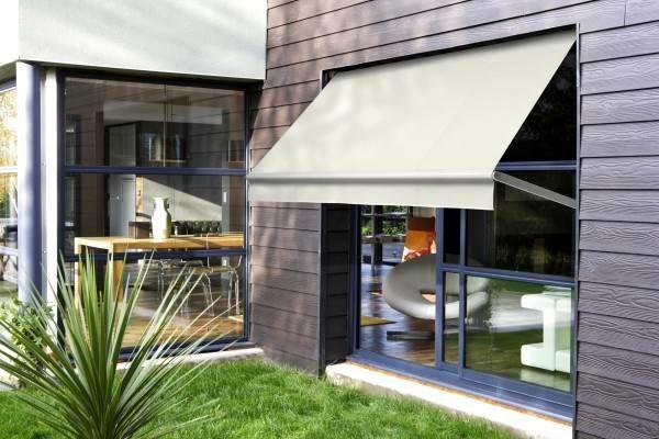 LES STORES TOILE À PROJECTION  Le complément idéal du store de terrasse. Des toiles provenant des fabricants les plus connus sur le marché, pour leur qualité et fiabilité.