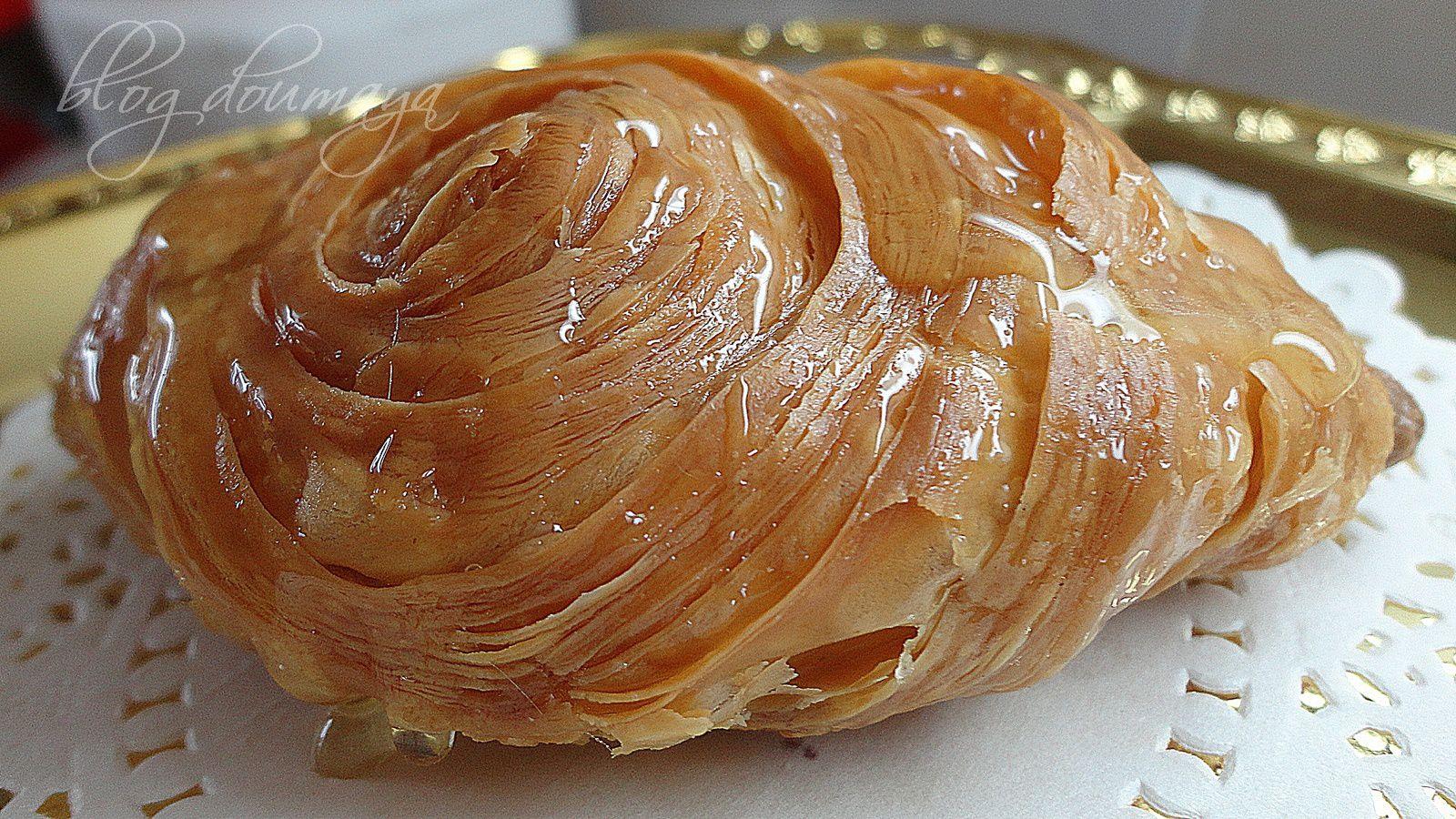 Petits gâteaux Feuilletés au miel(la recette est pour toi Sonia Zak)