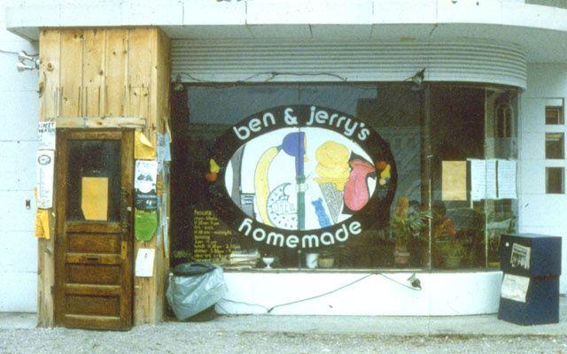 <small>L'extérieur de la 1ère boutique Ben & Jerry's. Nos décorateurs ont fait des progrès depuis !</small>