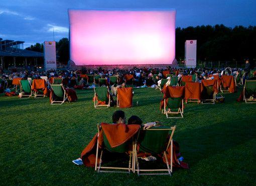 Cinéma en plein air de la Villette, transats