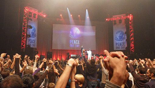 concert peace one day au zenith