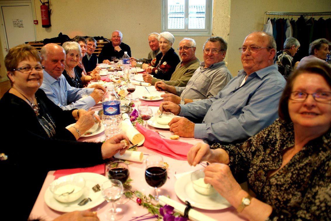 Le comité des fêtes aux petits soins pour les Anciens