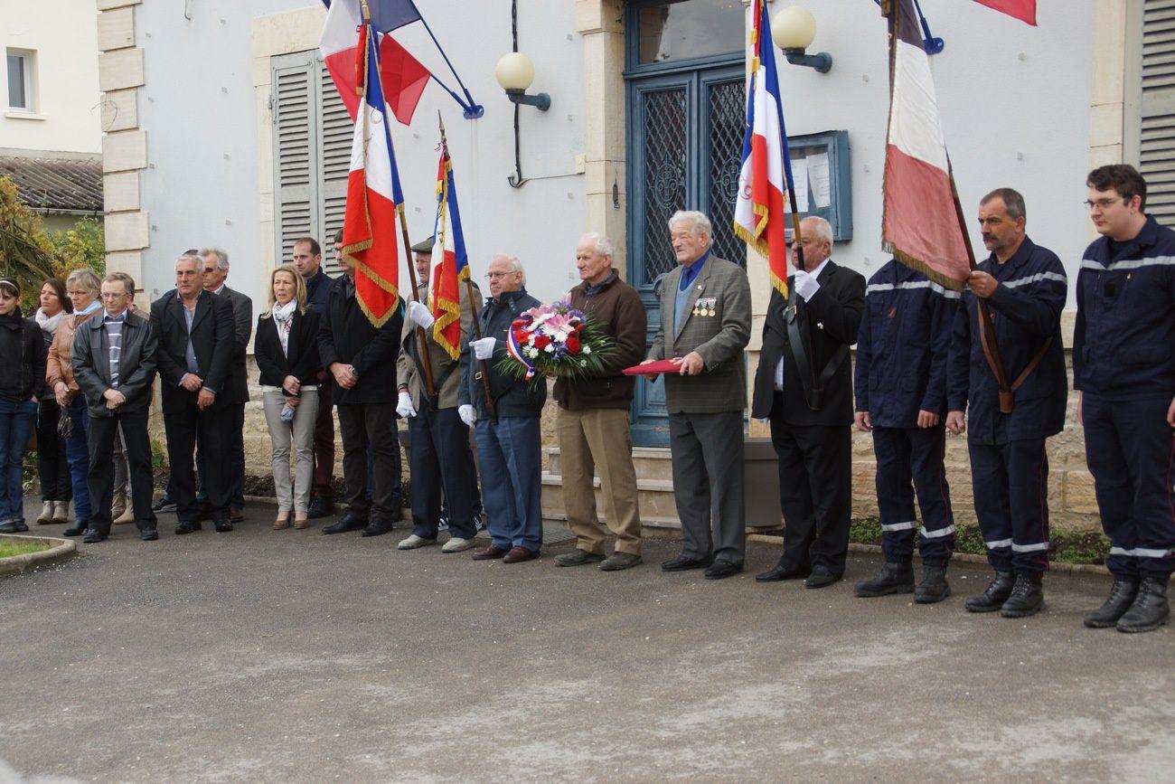 Michel Hennequin reçoit la médaille du Combattant