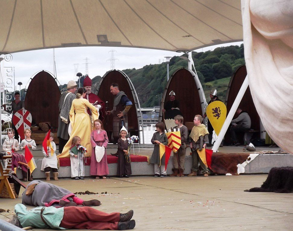 Le mariage de Strongbow et Aoife, recréé au moment des festivals à Waterford.