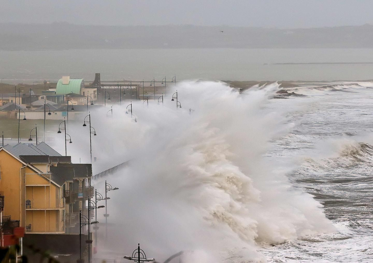 Source : http://www.irishtimes.com/news/ireland/irish-news/storm-frank-1.2480371