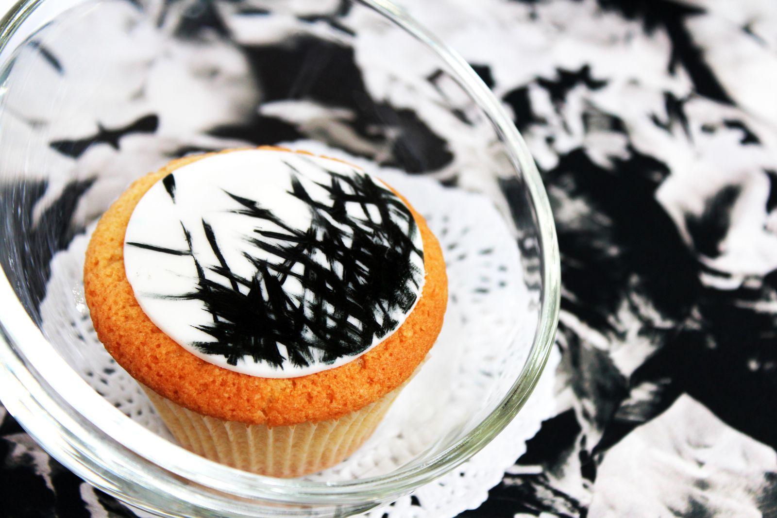 Fashion Cupcakes Week #5 Yigal Azrouël