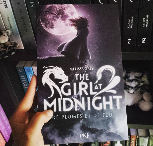The Girl at Midnight, tome 1 : De plumes et de feu
