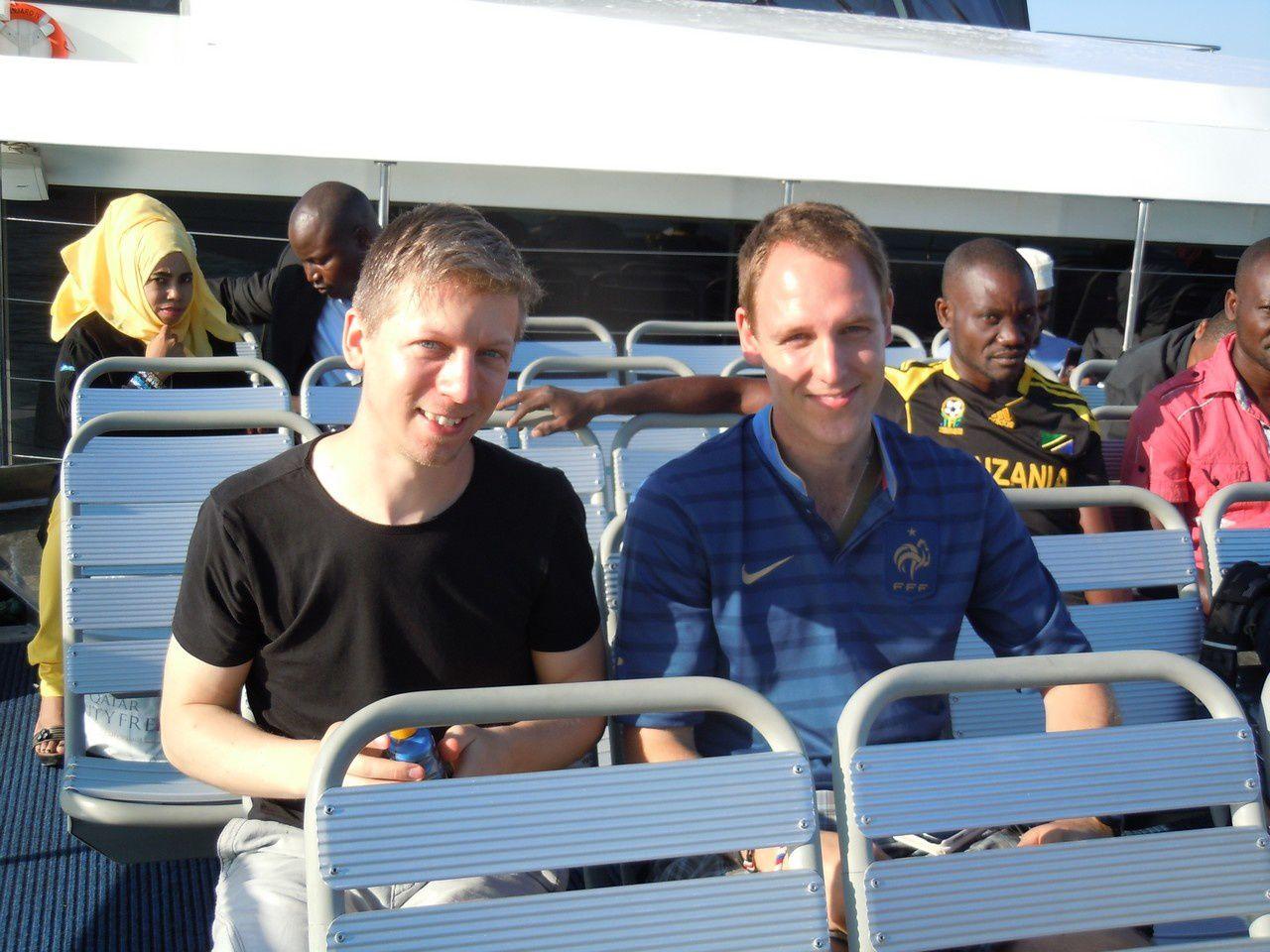 Zsolt et Romain sur le ferry pour Zanzibar