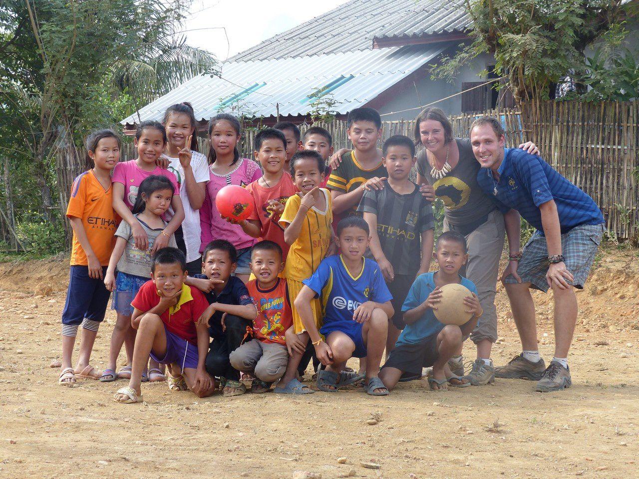Vang Vieng : Notre cadeau de Noël de la part de l'école de Mouvaux.