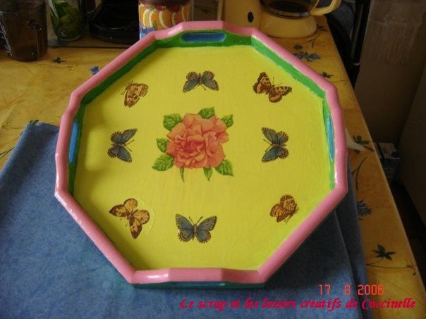 Plateau Hexagonal Multicolore Rose &amp&#x3B; Papillons