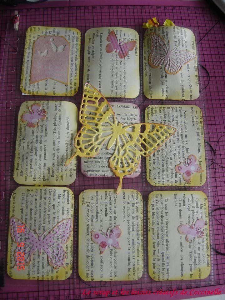 Pocket Letter n°2 Thème papillons en rose & jaune destination Espagne (Catalogne) accompagnée d'une carte en Iris Folding fait avec des morceaux de pages de livres colorisées à l'encre.