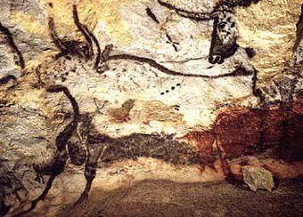 La grotte de Lascaux est l'une des plus importantes grottes ornées paléolithiques. La grotte est située dans le Périgord, sur la commune de Montignac (Dordogne).  L'âge des peintures et des gravures qu'elle renferme est estimé à environ 18 000 ans.