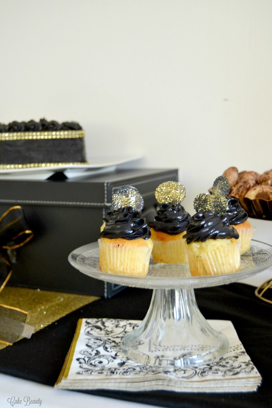 Sweet Table Hadjj Black &amp&#x3B; Gold