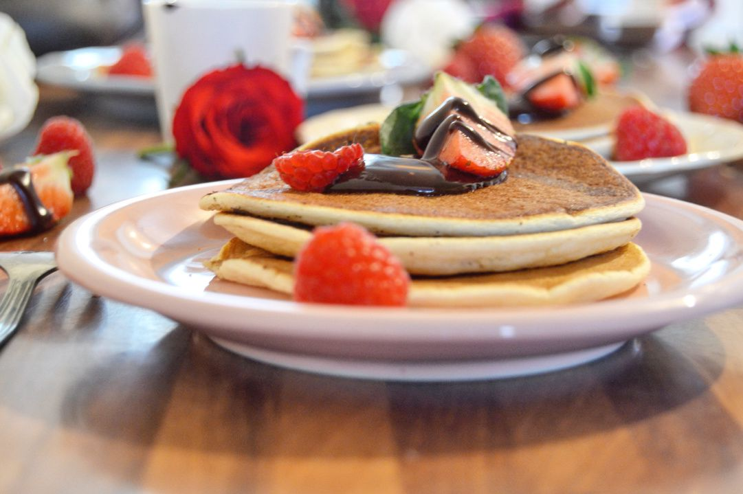 Pancake ultra moelleux, Sauce Chocolat & Fruits Rouge