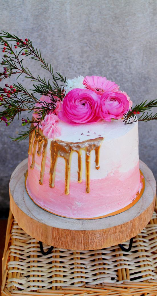 Drip Cake Girly Gold