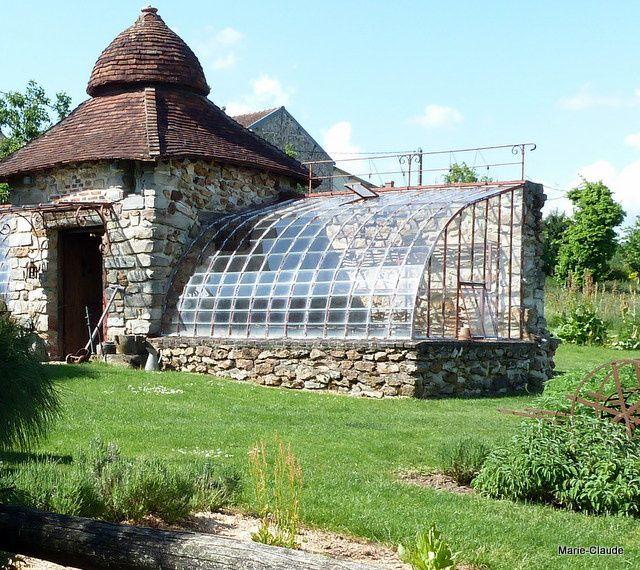 D couverte du jardin p pini re du point du jour un p for Serre de jardin ancienne