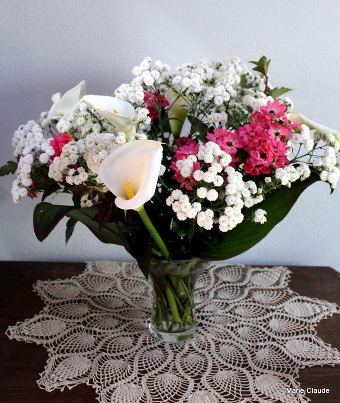 Sous le vase, un napperon réalisé par ma belle-mère, il y a bien longtemps.....