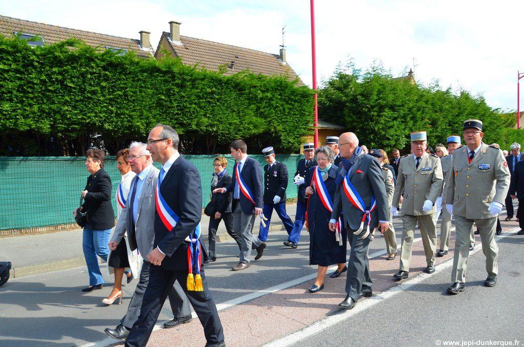 Commémoration pour les soldats morts pour la France - Zuydcoote - 2015 .