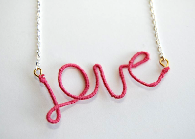 Collier &quot&#x3B;love&quot&#x3B; facile à faire