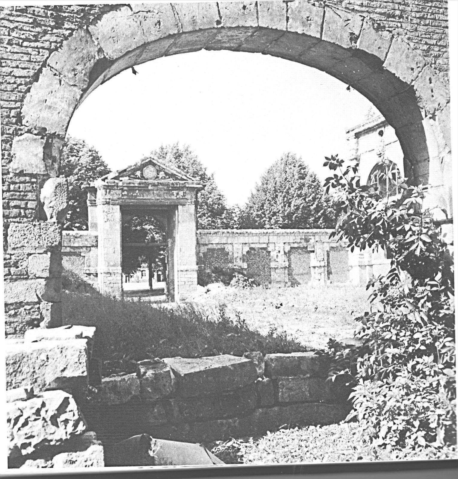 une vue dans l'enceinte de la citadelle