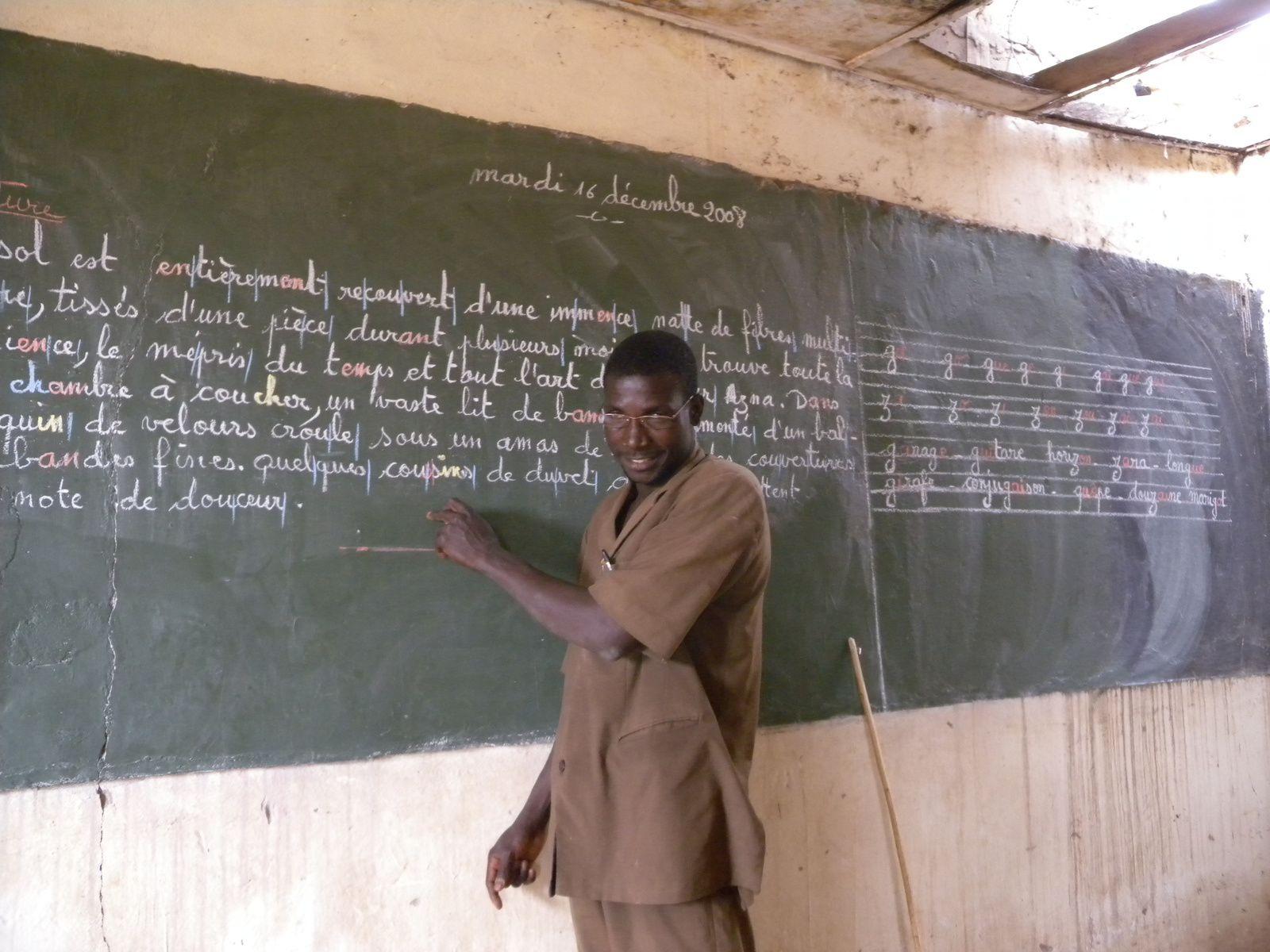 Maître d'école - La Tapoa- Niger 2008 (Photo Malie Létrange)