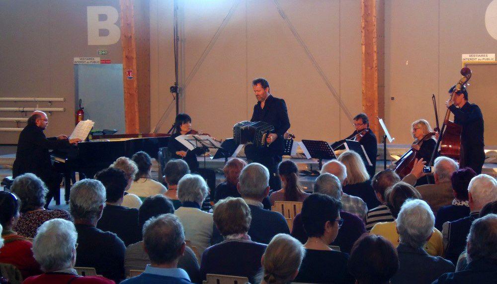 Les chorales de Berry Grand Sud avec le Chœur d'Auvergne au Châtelet en Berry
