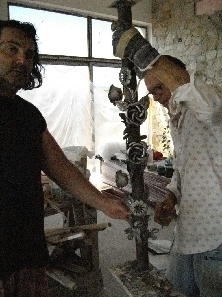 Becarelli in action with new &quot&#x3B; metal &quot&#x3B; art project !