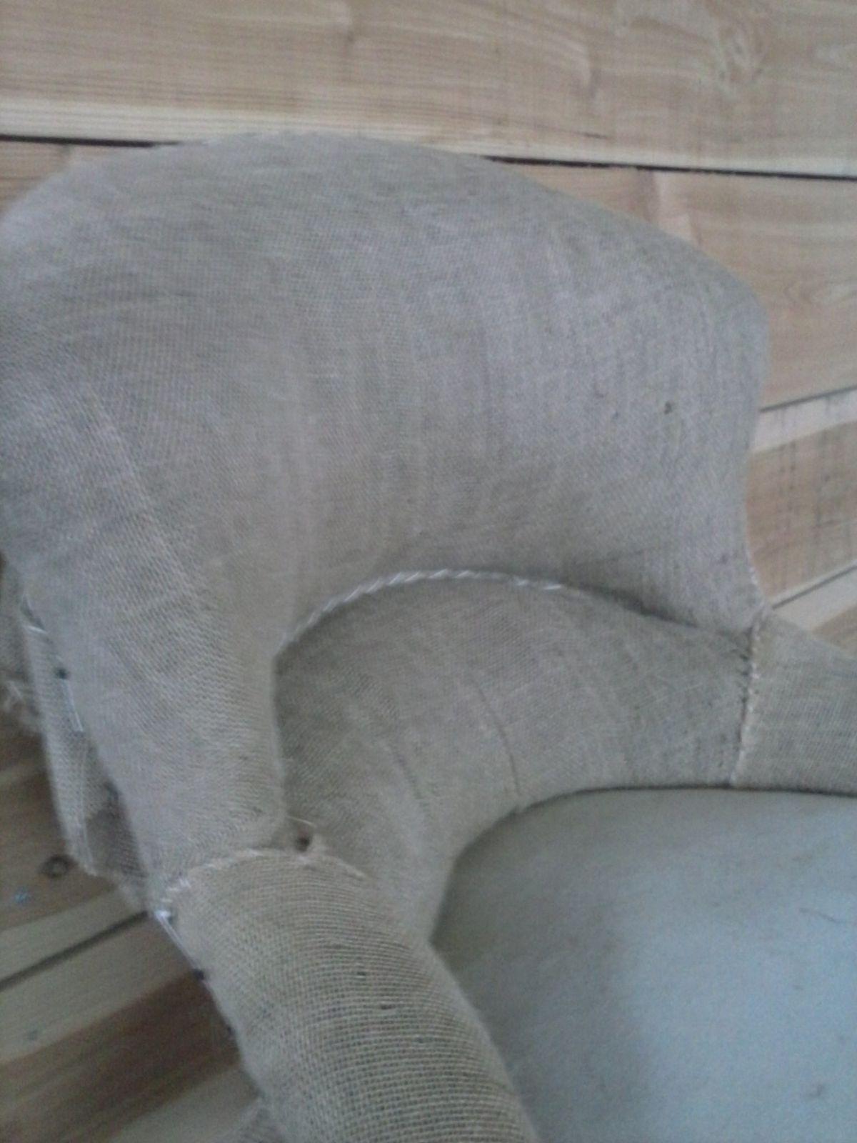 crapaud chauffeuse l 39 atelier de marine tapissiere couturiere. Black Bedroom Furniture Sets. Home Design Ideas