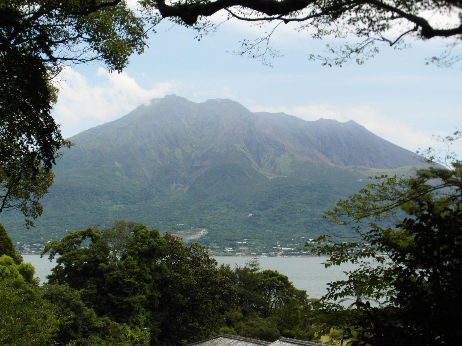 Christian Soleil attend de pied ferme l'éruption du Sakurajima