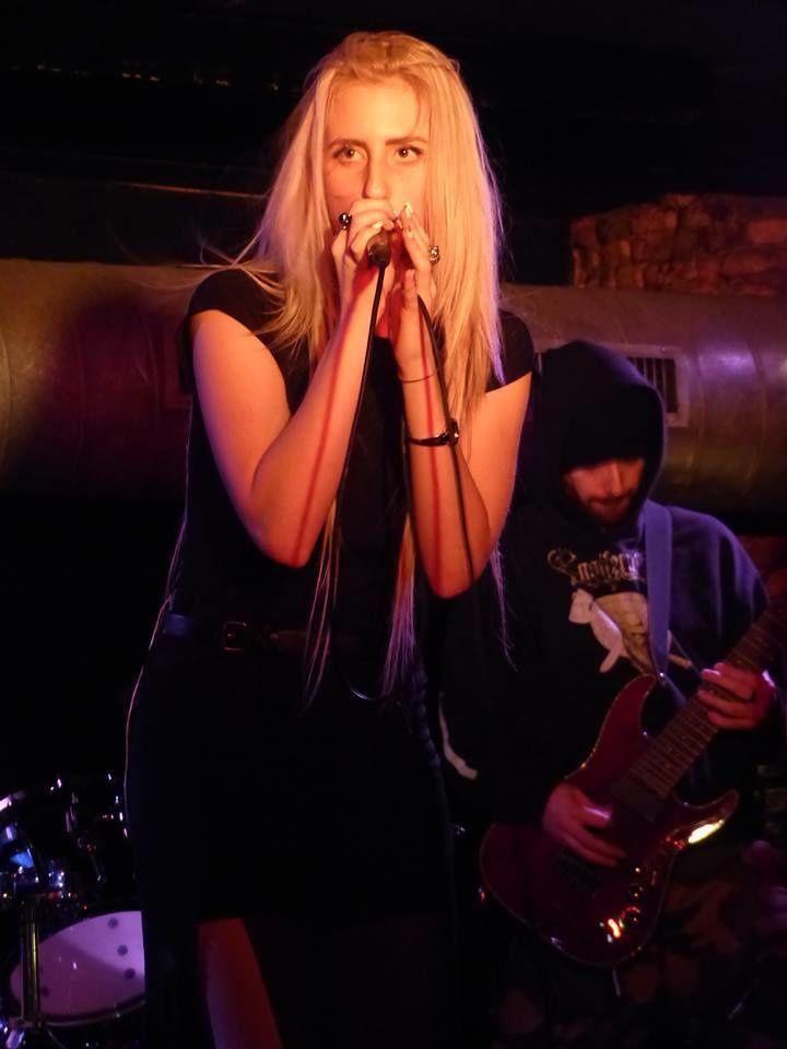 Azylya + Heonia (F) + Duckbill Crisis (F) @ Rock Classic - 14/11/2015