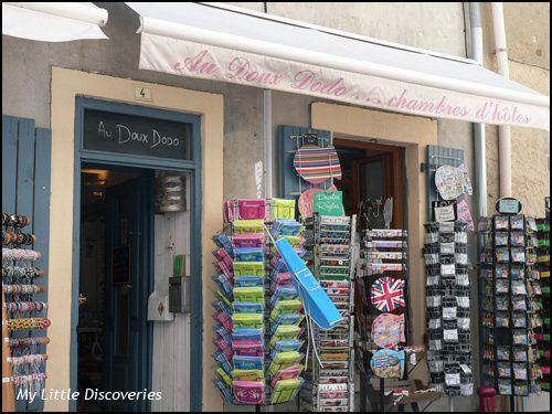 En haut: la boutique du rez de chaussée - En bas: le patio
