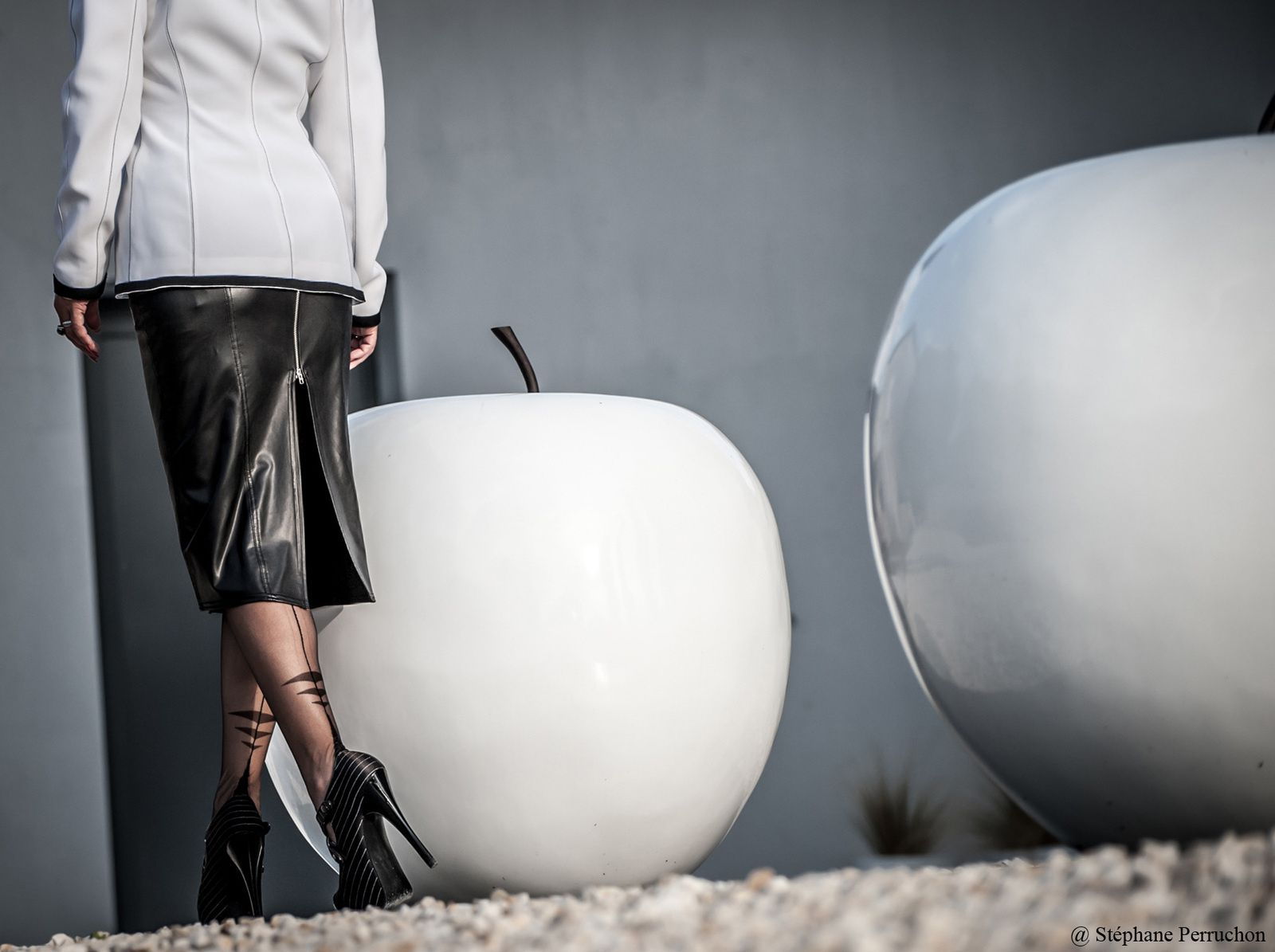 Lescarpin : tendance black and white