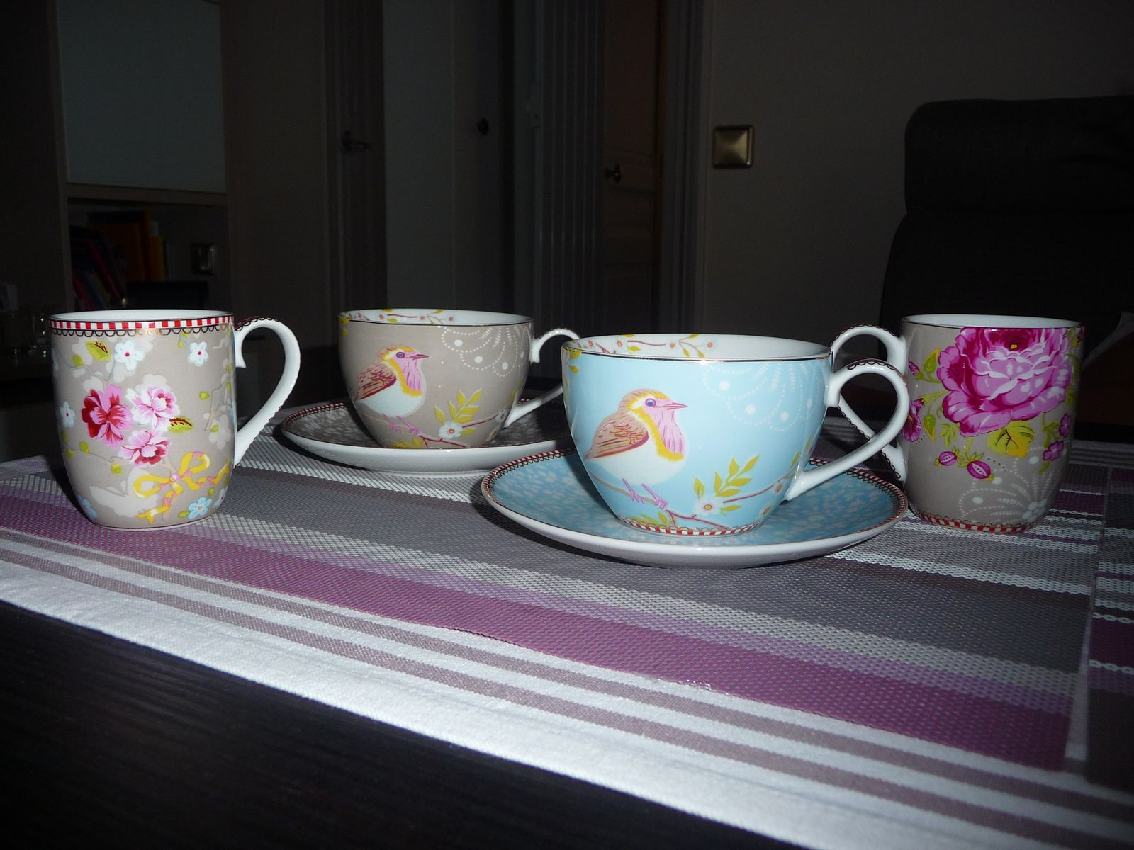 """j ai craqué  pour 2 tasses à thé et café , porcelaine fine collection   """" PIP  home"""""""