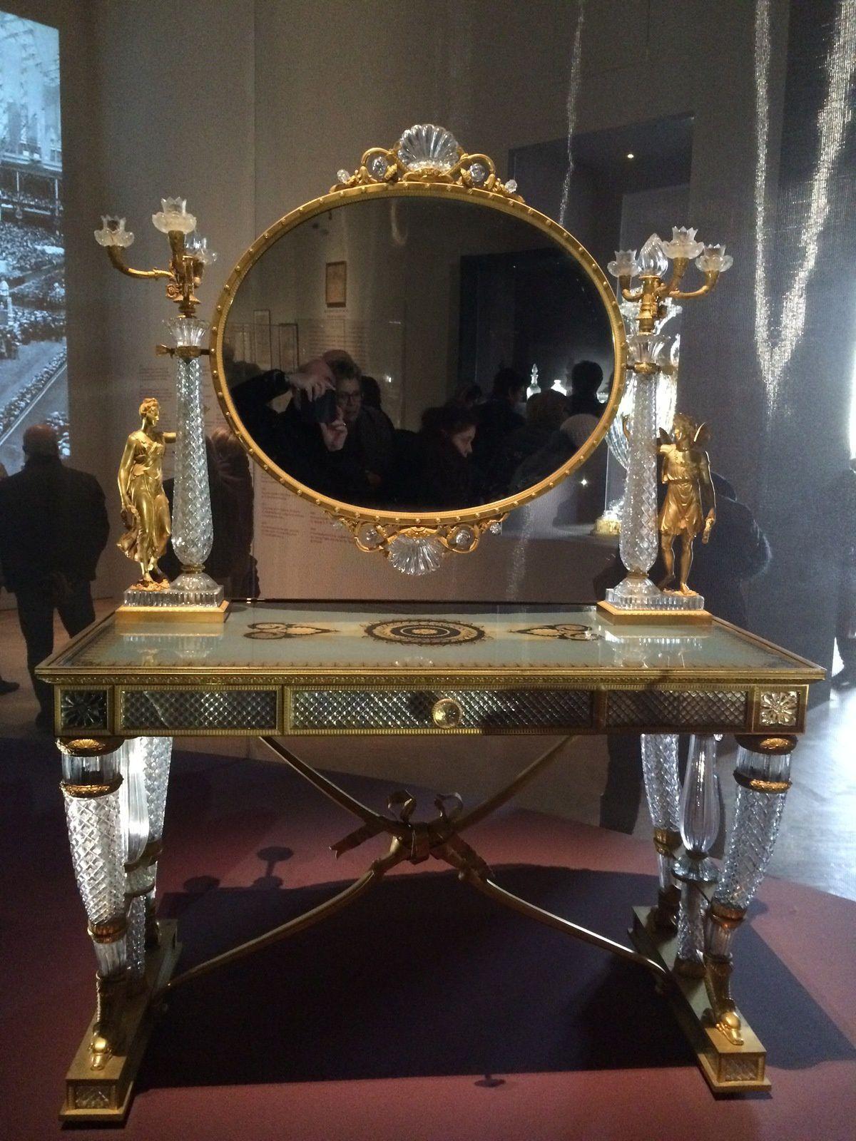 fauteuil antique et  toilette de la duchesse de Berri acheté en 1820