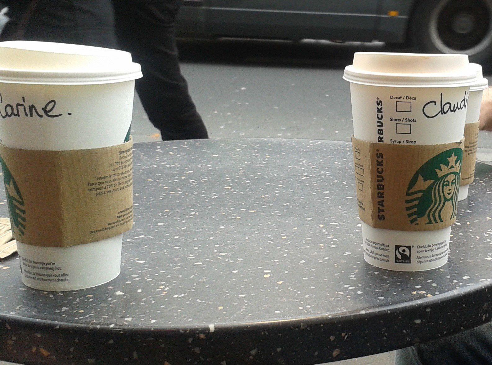 """Nous avons bien mérité un bon café !! vous savez cet endroit où l'on vous personnalise votre récipient ! oh zut ! la marque est visible !! OUPS....oui mais c'est tellement bon .....loin du """" what else '""""....."""