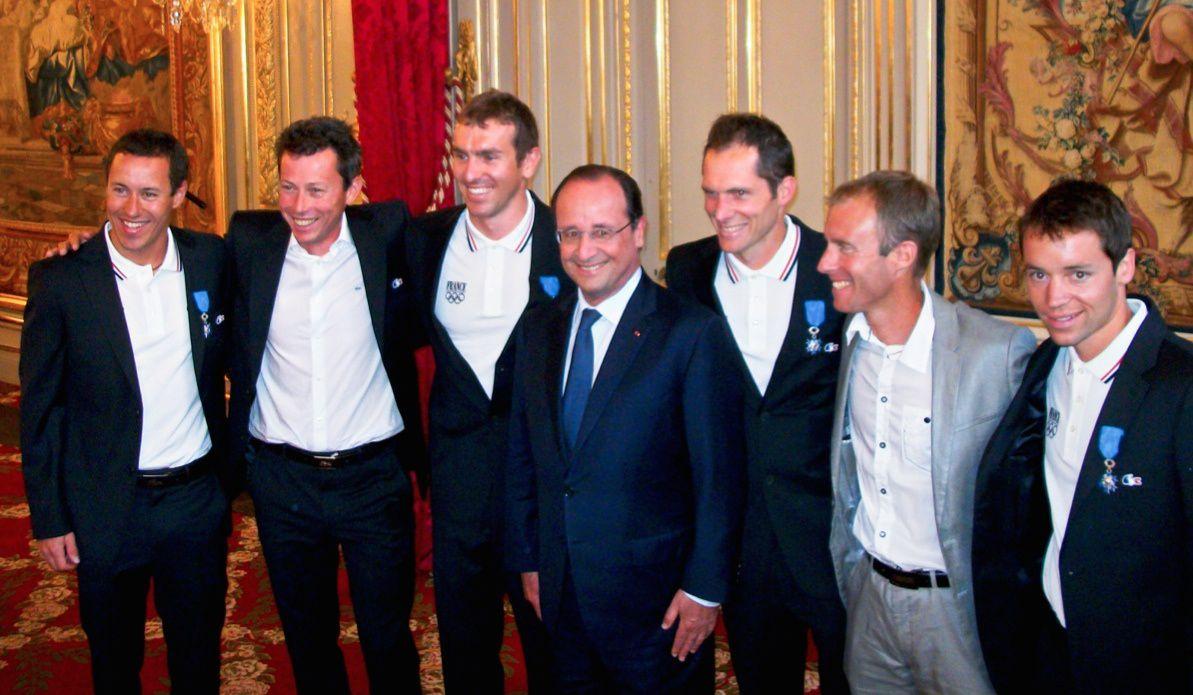La Dream Team entoure le Président de la République : Robin, Christophe, Maurice, François, Jean-Marc, Patrice, Ivan